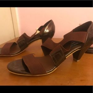 Brown comfy insole heel